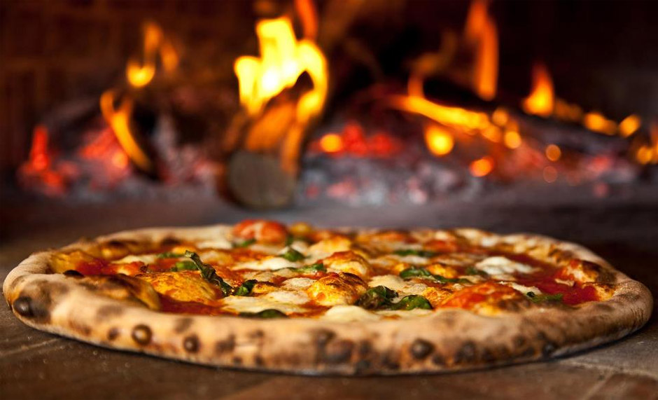 Why Should You Choose Wood Fired Pizza Green Cottage